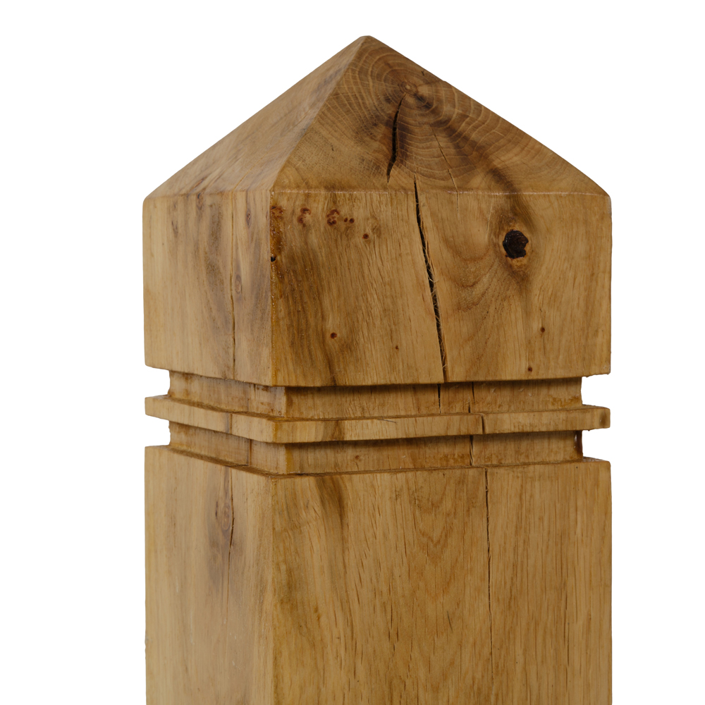 Hayman oak gate post with pointed top and routered sides