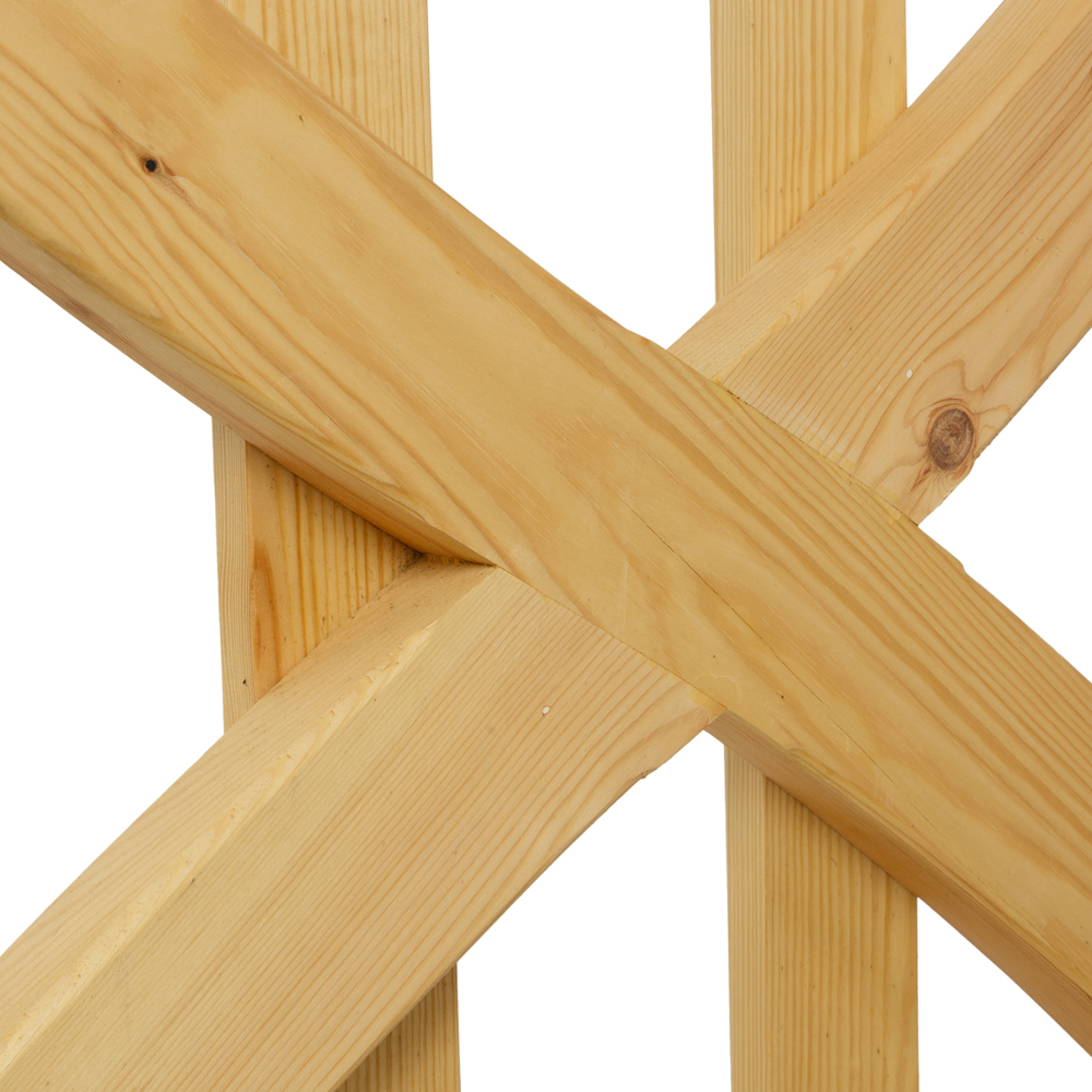 Linton wooden gate with curved cross braces and uprights