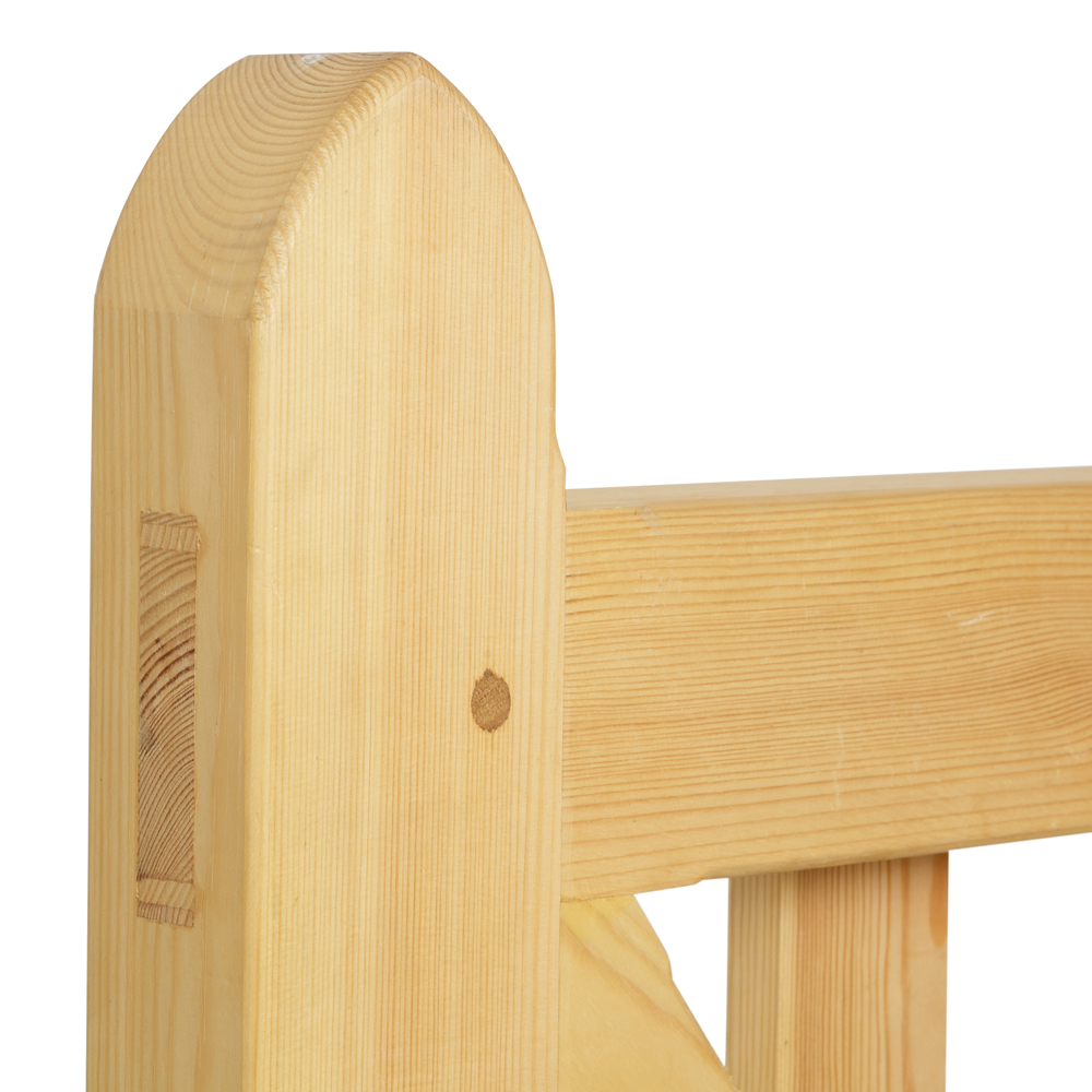 Linton wooden gate with mortise and tenon joint and oak dowel in arched heel