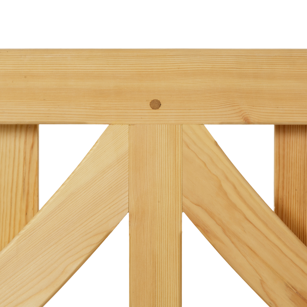 Linton wooden gate top spell with curved braces and oak dowel